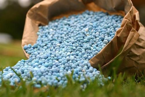 farming-chemical-fertilizers-500x500